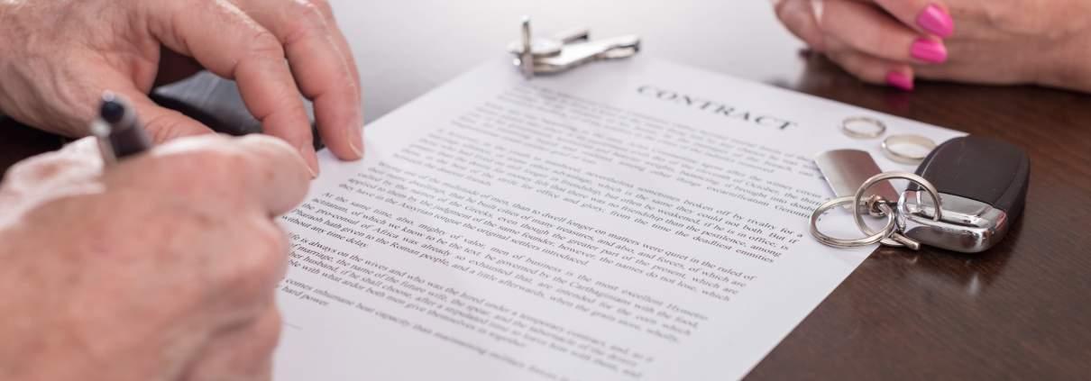 franchise agreement lawyer